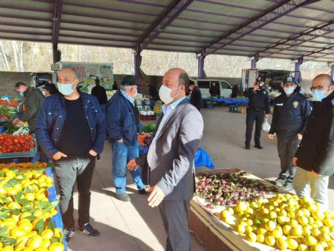 Halkapınar Belediye Başkanı Mehmet Bakkal pazar yerini denetledi