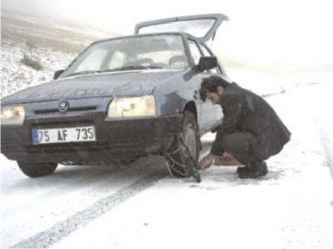 Ereğli'de araçlar zincir taktı
