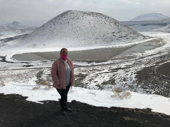 Beyaza bürünen Meke Gölü ziyaretçilerini ağırlıyor