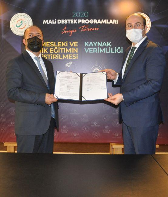 Başkan Mehmet Bakkal Uğur İbrahim Altay'a ve MEVKA Yönetimine teşekkür