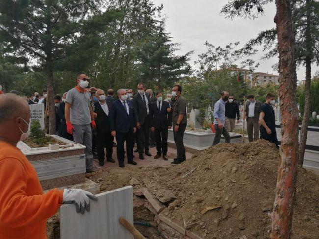 BURHANETTİN UYSAL'IN CENAZESİ EREĞLİ'DE TOPRAĞA VERİLDİ