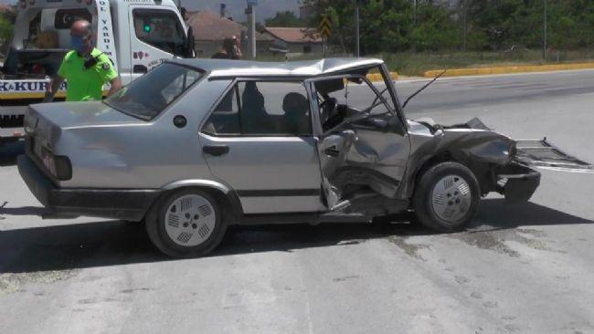 Ereğli'de Otomobiller Çarpıştı: 1 Yaralı