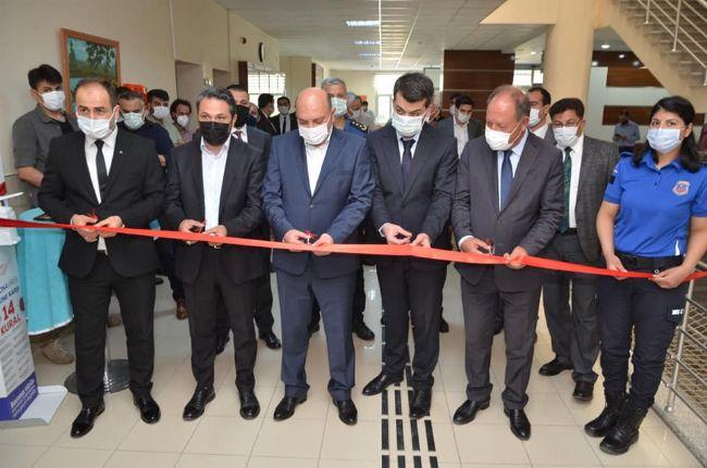 Ereğli Cumhuriyet Başsavcısı Akkiraz Kuran'ı Kerim Hediye Etti