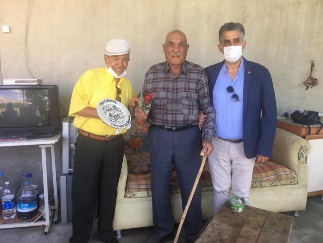 Veysel Gönülal ve Yönetimi Şehit Babalarının Gününü Kutladı