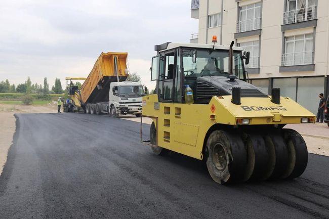 Başkan Hüseyin Oprukçu, asfalt çalışmalarını yerinde inceledi