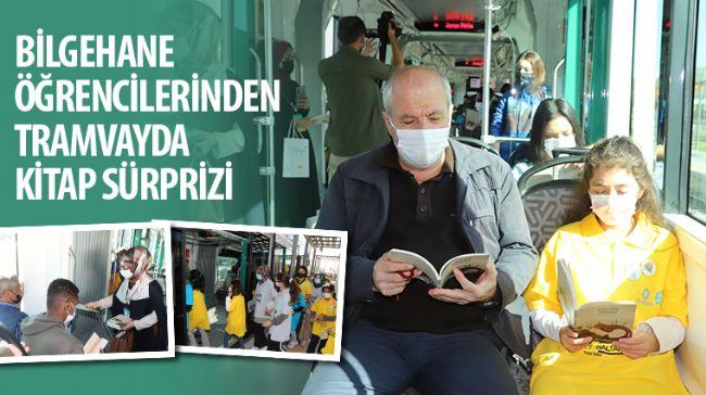 Bilgehane Öğrencilerinden Tramvayda Kitap Sürprizi